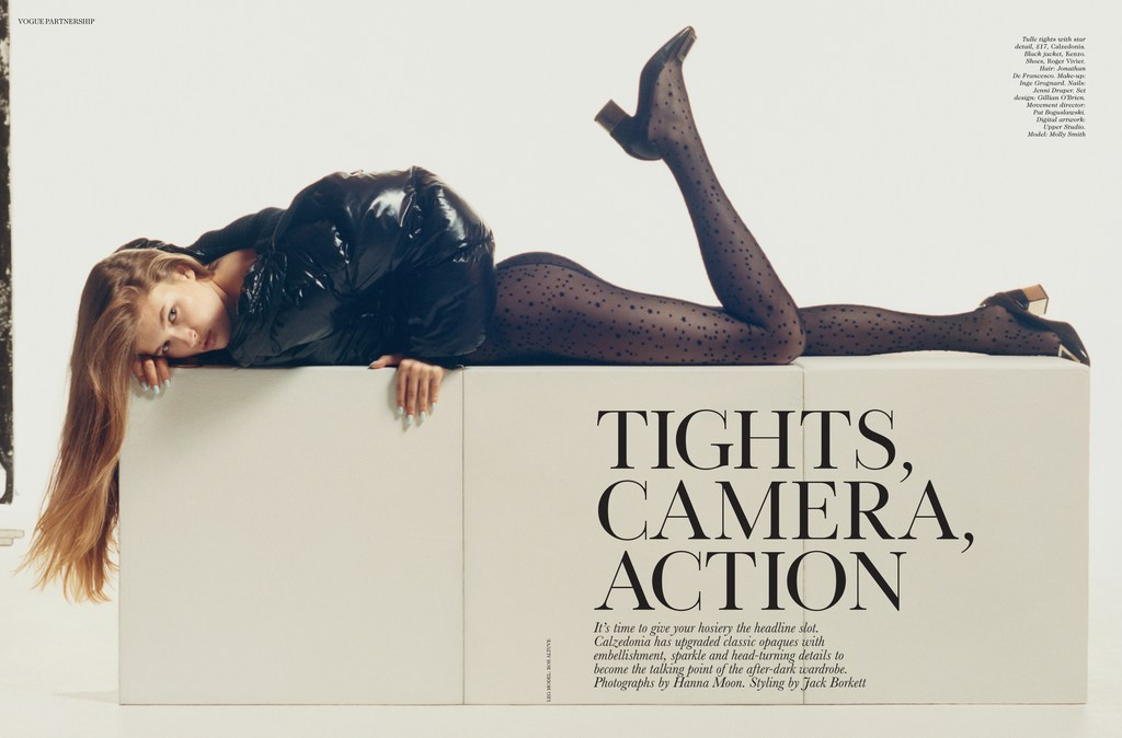 Streeters News Vogue Uk December 2017 Tights Camera Action